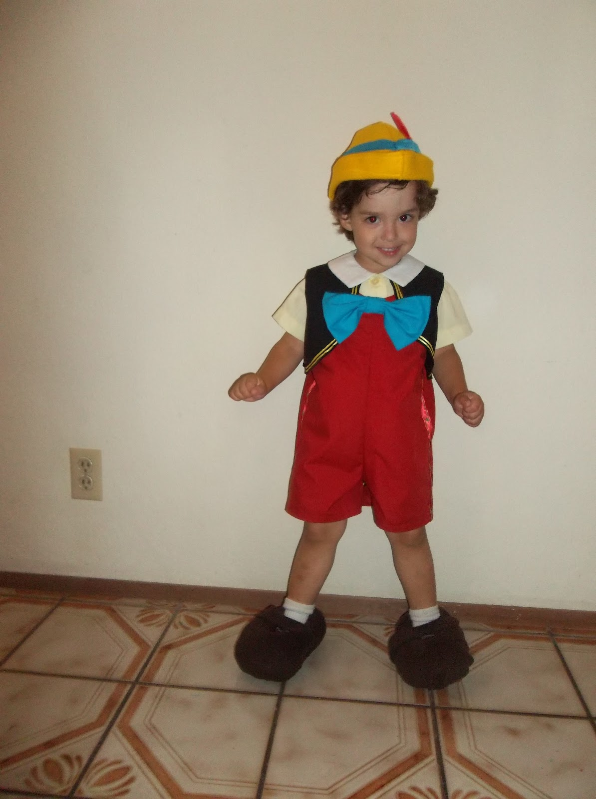 Pinocchio costumes costumes fc for Pinocchio hat template